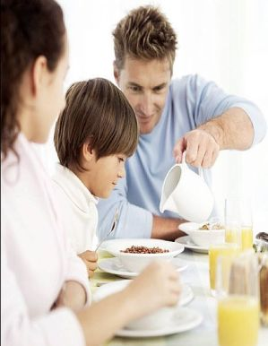 FamilyBreakfast-main_Full